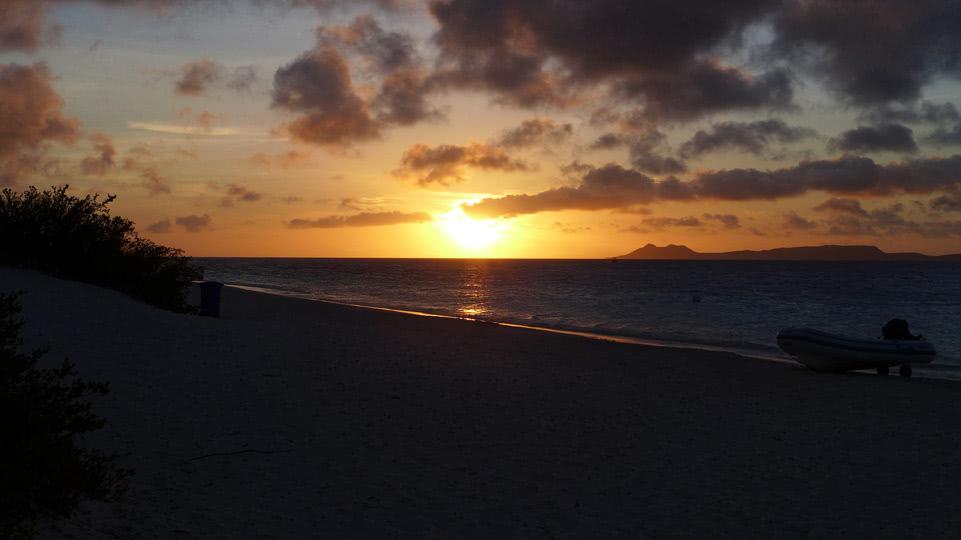 Bonaire-BBQ-Klein-Sonnenuntergang