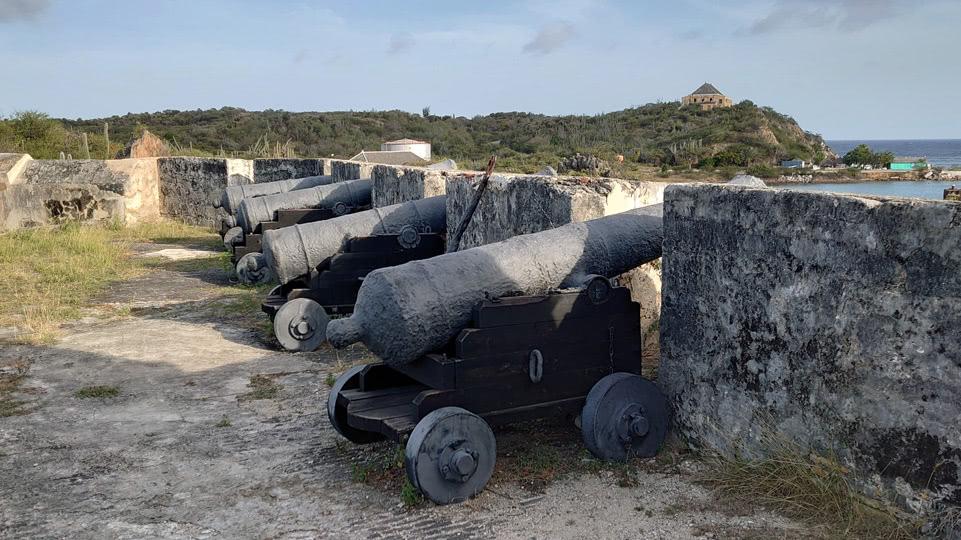 curaccao-mai-fort-kanonen