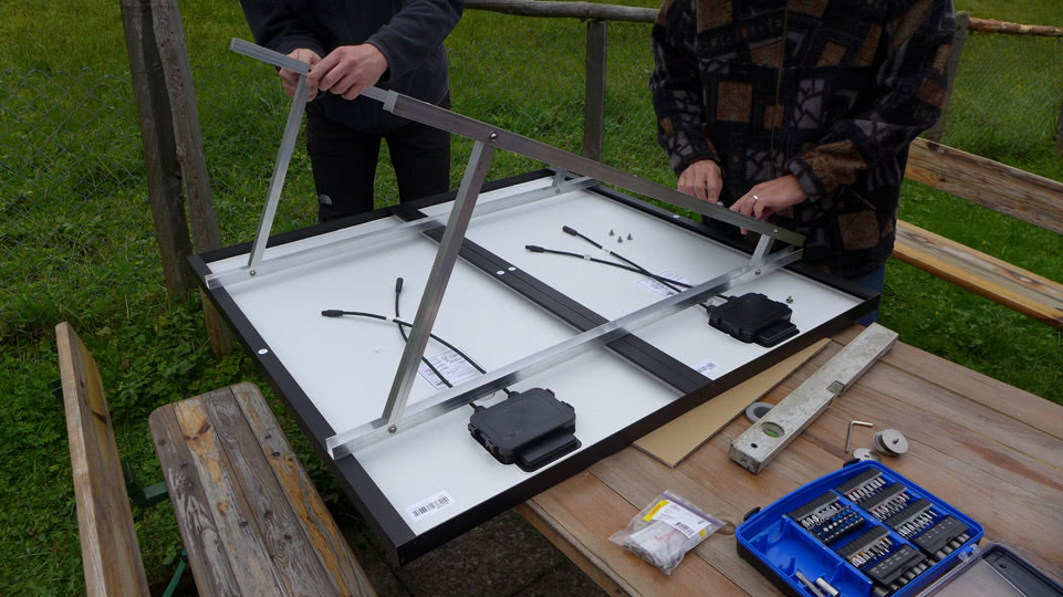 rossweidalp-solarzellen-alurahmen-montage
