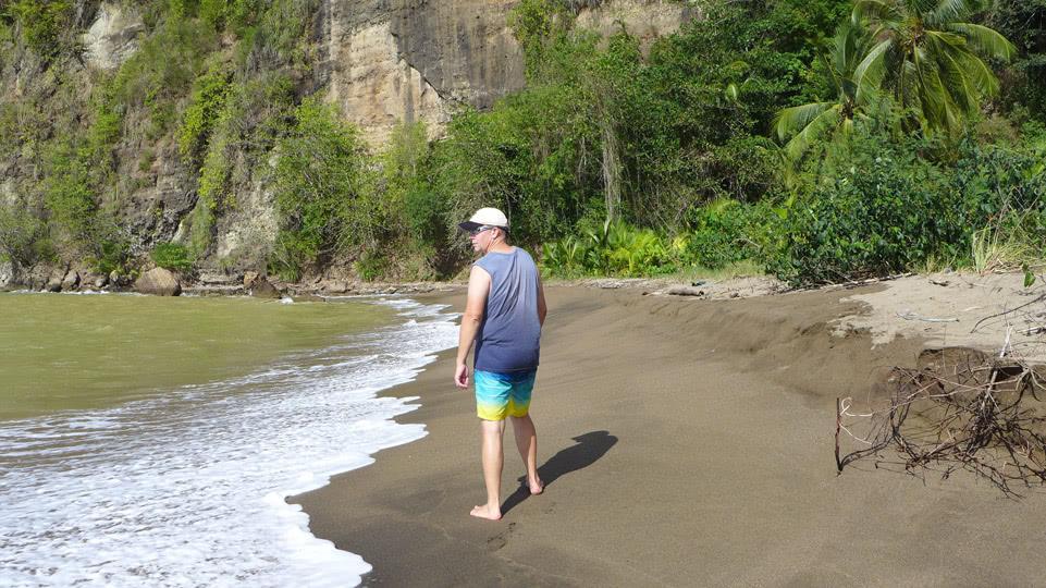 st-lucia-allan-strand-erkunden